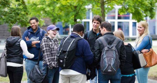 augsburg-students