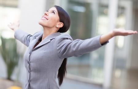 businesswoman-worshiping